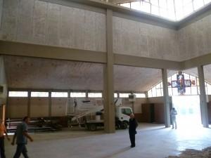 La chiesa durante la fase di messa in sicurezza nel 2012. Ora servono i lavori definitivi.